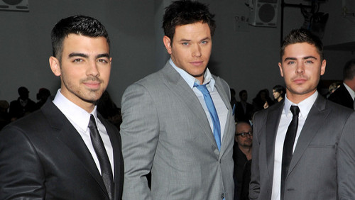 Joe Jonas, Zac Efron e Kellan Lutz alle sfilate di New York