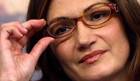 Mariastella Gelmini contro le donne in piazza