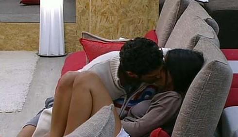Emanuele Pagano e Rosa Baiano a letto insieme, GF11