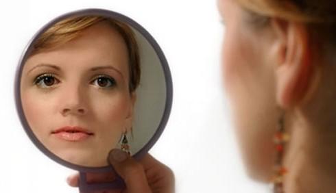 A bulimia e anoressia si aggiunge l 39 ortoressia diredonna - Ragazze nude allo specchio ...