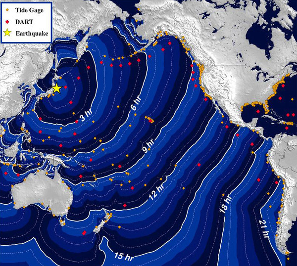 Cartina con orari previsti per l'arrivo dello tsunami