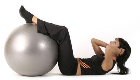 Addominali scolpiti con cinque semplici esercizi