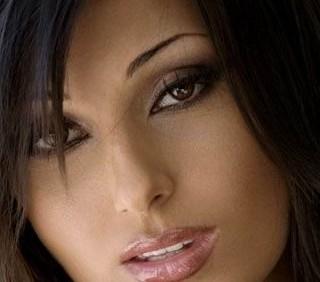 Anna Tatangelo VS Laura Pausini