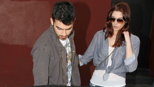 Joe Jonas e Ashley Greene a LA: foto