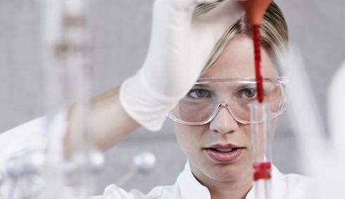 Le donne guadagnano più degli uomini in 15 professioni