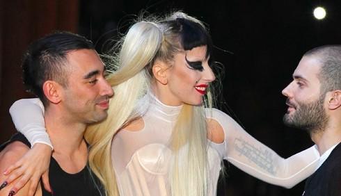 Lady Gaga per Mugler, le foto