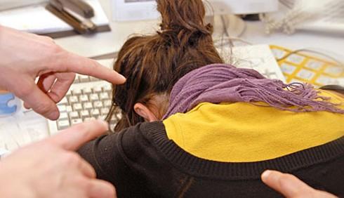 Bullismo in ufficio, molte donne tra le vittime
