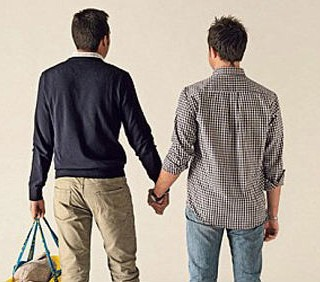 Carlo Giovanardi contro la campagna gay di Ikea