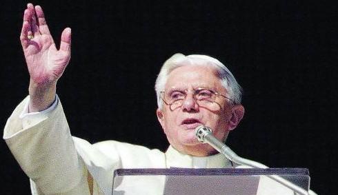 Vaticano contro i condom, immagini