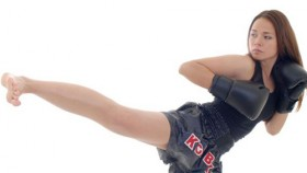 Esercizi per dimagrire con la kick boxing diredonna - Allenamento kick boxing a casa ...