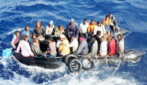 Lampedusa gli sbarchi, le immagini