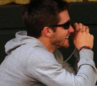 Jake Gyllenhaal con una misteriosa biondina