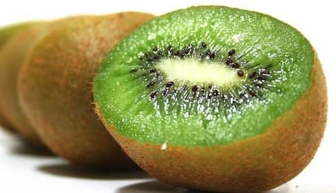 I benefici del kiwi, utile per corpo e salute