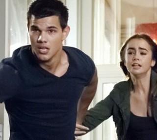 Abduction: Taylor Lautner e il bacio con Lily Collins