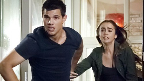 Abduction: Taylor Lautner e il bacio con Lily Collins