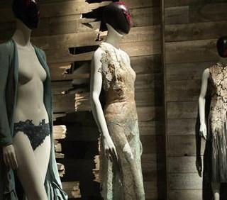 Alexander McQueen al Metropolitan Museum