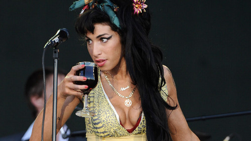 Amy Winehouse, vodka prima del rehab