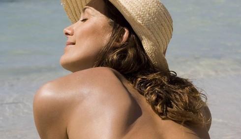 Niente topless nel 2011: è fuori moda