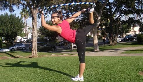 Hoopilates, le immagini degli esercizi