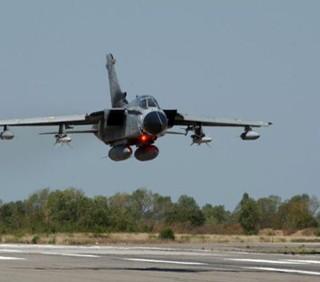 Libia, 4 bambini feriti nel bombardamento Nato