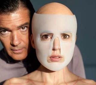 Pedro Amodovar a Cannes con La piel que habito