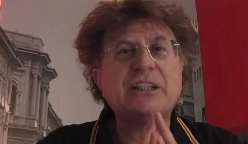 Red Ronnie tra l'amica Letizia Moratti e il comunista Gianfranco Fini
