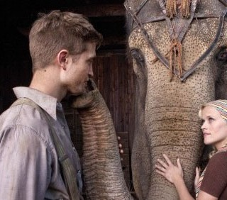 Robert Pattinson deriso dal cast di Water for Elephants