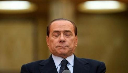 Elezioni: Silvio Berlusconi scherza sul suo funerale