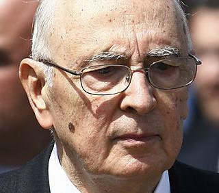 Referendum: Giorgio Napolitano firma la legge Omnibus