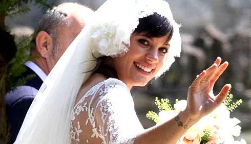 Lily Allen, matrimonio col pancione