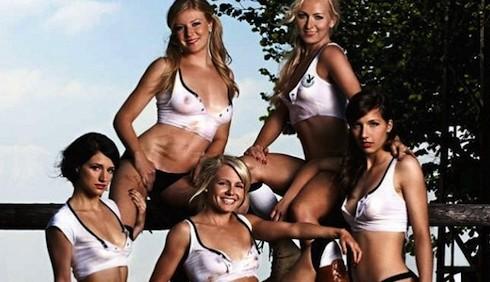 Germania, la Nazionale femminile di calcio posa per Playboy