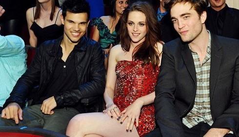 MTV Movie Awards: Eclipse trionfa, Robert Pattinson bacia Taylor Lautner