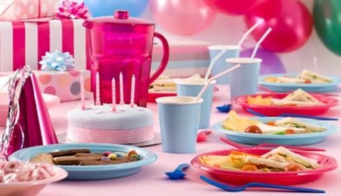Feste per bambini, idee per una tavola divertente e creativa