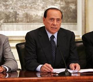 Referendum: il voto di Gianfranco Fini e Umberto Bossi