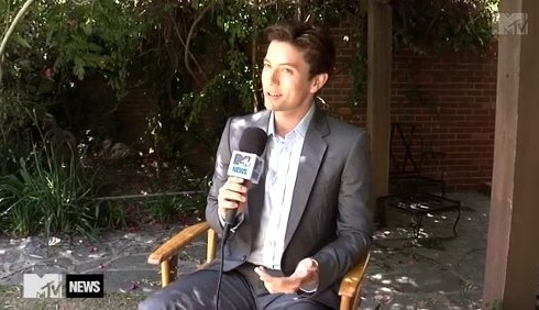 Jackson Rathbone tifa per Robert Pattinson agli MTV Movie Awards
