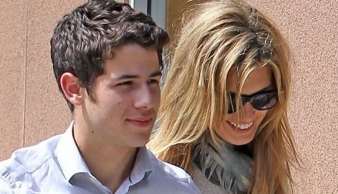 Nick Jonas e Delta Goodrem sempre più innamorati dopo Bali