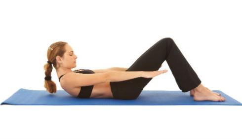 Semplici esercizi Pilates da fare in casa