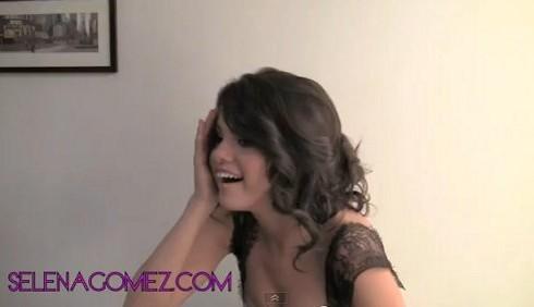 Selena Gomez tra i regali di Justin Bieber e la cotta per Shia LaBeouf