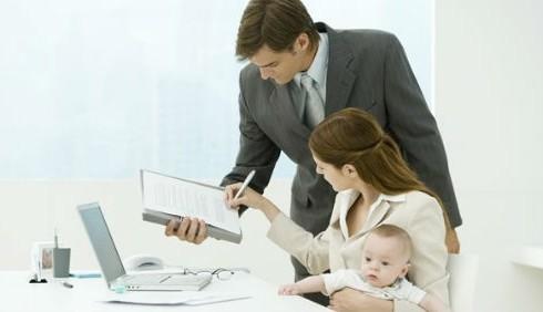Mamme che lavorano da casa, consigli per organizzarsi