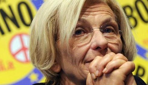 Non farti scippare il futuro: flashmob femminile al Senato