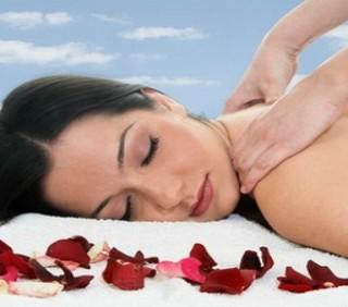 Come fare un massaggio rilassante in casa