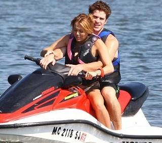 Agosto Teen Idol: Justin Bieber, Jonas Brothers e Demi Lovato