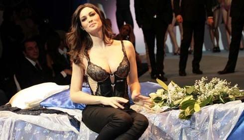 Manuela Arcuri implicata nello scandalo escort?