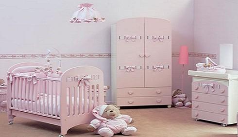 Cosa non deve mancare nella stanza di un neonato