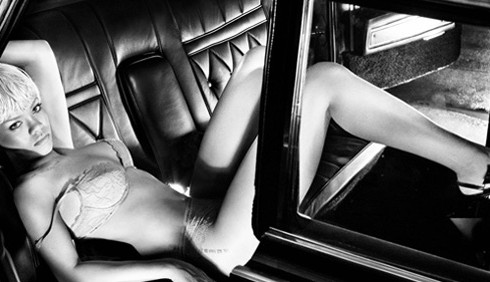 Rihanna testimonial di Armani Jeans: le foto