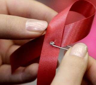 Aids in aumento in Italia, donne più a rischio