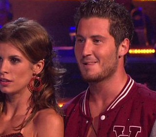 Elisabetta Canalis, il debutto a Dancing With The Stars in foto