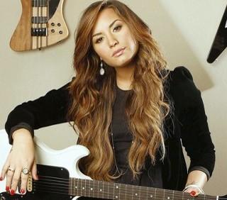 Demi Lovato incolpa i media per i suoi problemi alimentari