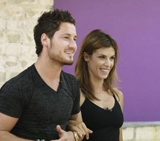 Elisabetta Canalis chiede il voto italiano per Dancing With The Stars
