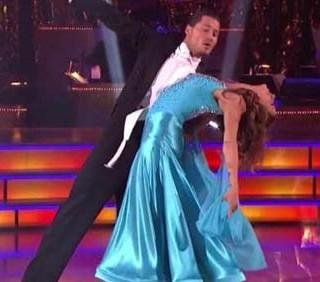 Elisabetta Canalis eliminata a sorpresa da Dancing With The Stars